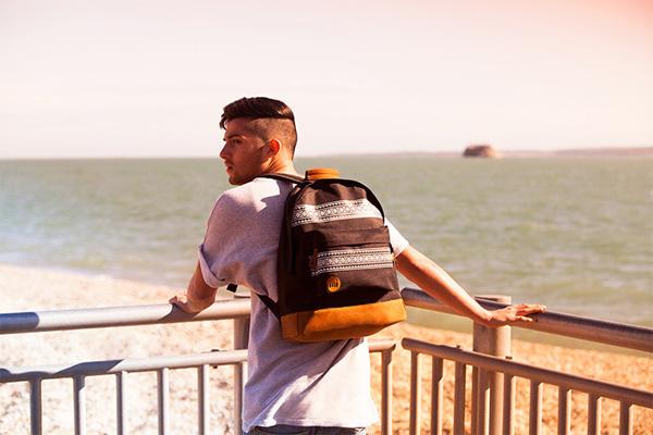 I colori e le stampe di Mi-Pac: originalità e praticità in spalla