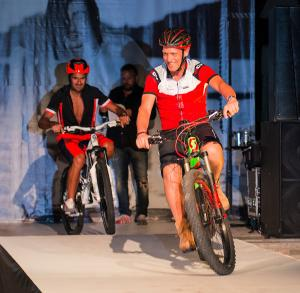sfilata-botteroski-vernante-2016-bike-01