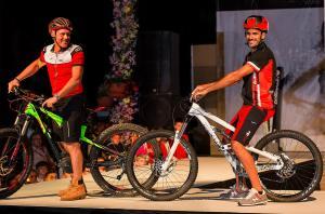 sfilata-botteroski-vernante-2016-bike-03
