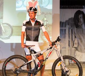 sfilata-botteroski-vernante-2016-bike-04